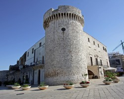 Conversano (Bari) is a serene and elegant hill top town. The big Castel is waiting for you and your holidays!